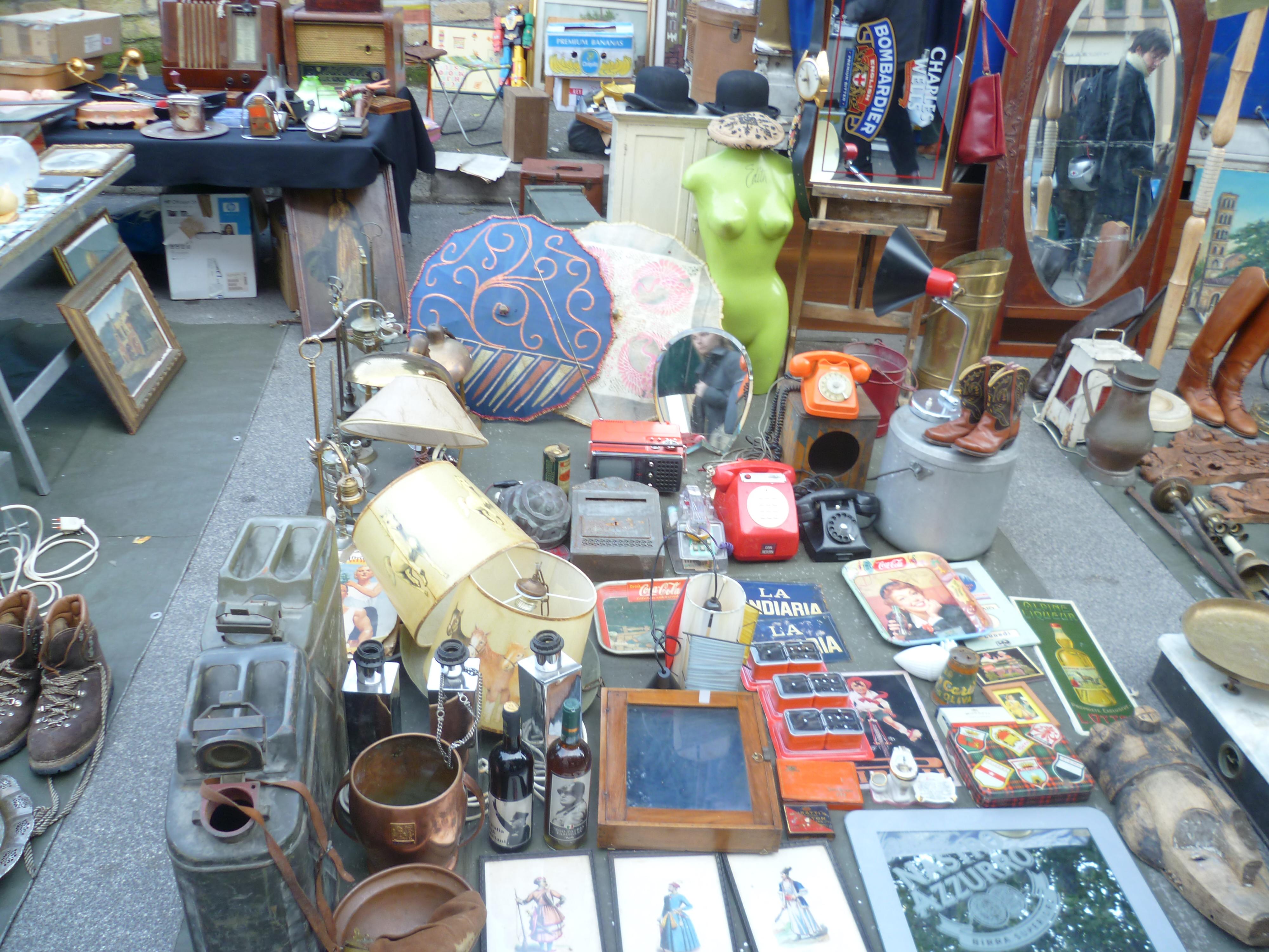The market of porta portese in rome italian living con - Porta portese it ...